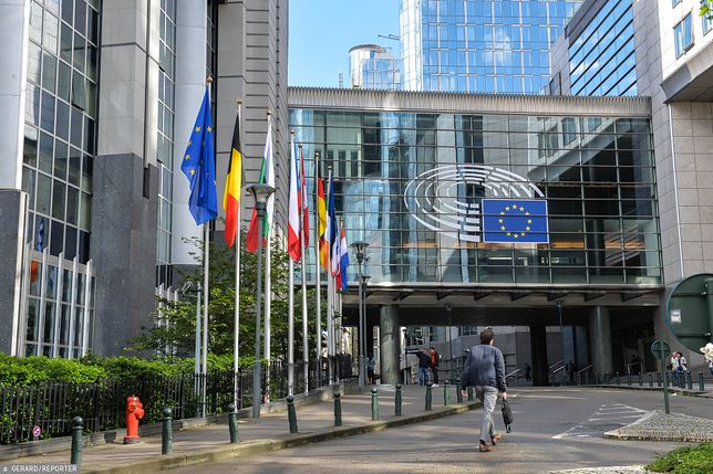 """Parlament Europejski. Jest projekt rezolucji krytykującej Polskę za """"edukację seksualną"""""""