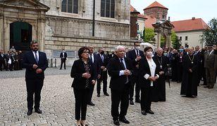 Jarosław Kaczyński na Wawelu. 71. rocznica urodzin Lecha Kaczyńskiego