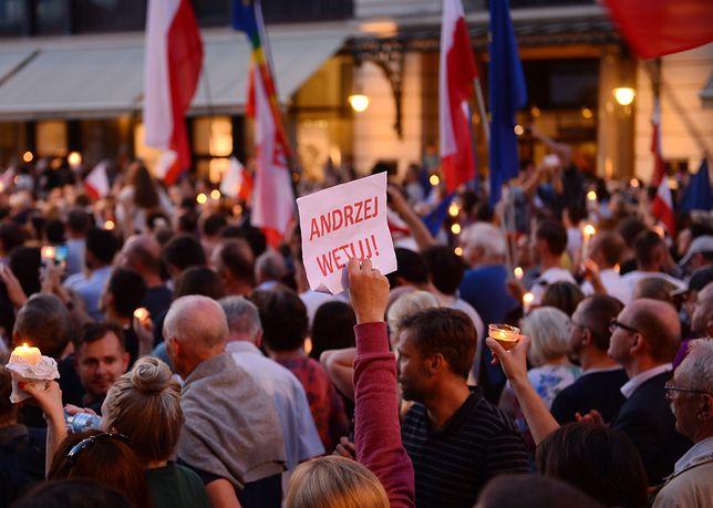 """""""Polski parlament, obojętny wobec gróźb..."""". Zagraniczne media pilnie obserwują Polskę"""