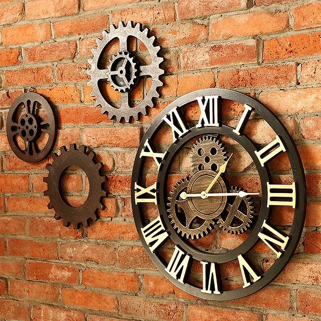 Możesz wybrać zegar, który będzie idealnie dopasowany do danego wnętrza, zarówno stylistyką, jak i materiałem czy kolorem.