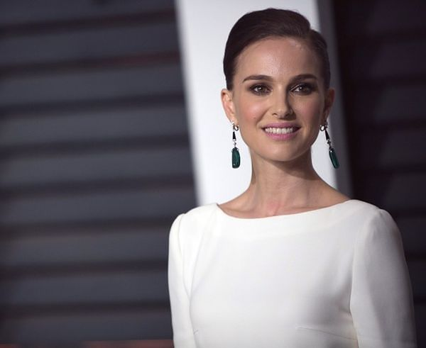 Idealna kobieta ma kształt twarzy Natalie Portman