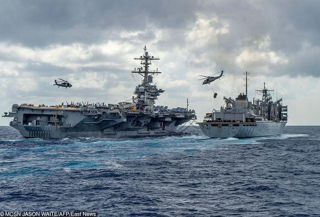 USS Lincoln w drodze do Zatoki Perskiej