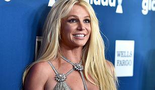 Britney Spears wierzy w moc kryształów. Modli się z nimi