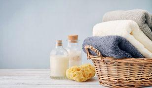 Silne środki piorące mogą szkodzić delikatnym materiałom