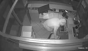 Włamanie z kradzieżą w Kościanie. Policja prosi o pomoc i publikuje nagranie