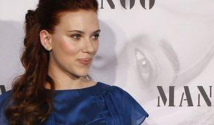 Scarlett Johansson bez Facebooka i Twittera