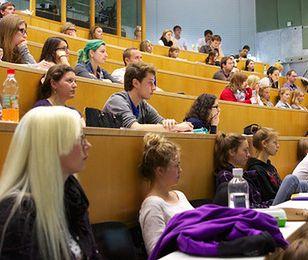 Absolwenci tych uniwersytetów zarabiają najlepiej