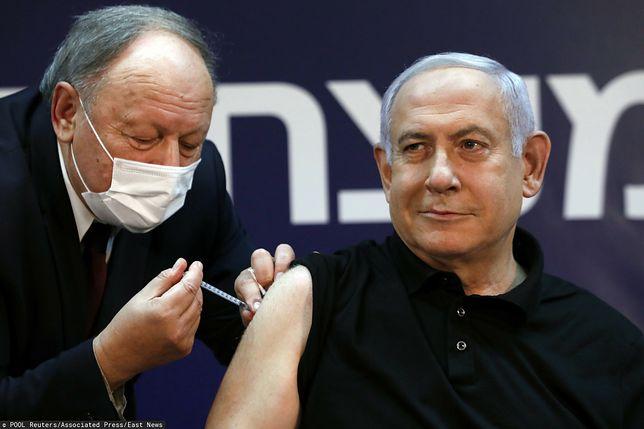 Izrael. Premier Bejamin Netanjahu przyjmuje szczepionkę przeciw COVID-19
