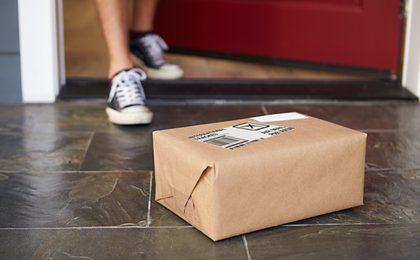 Uwaga na podejrzane opłaty za paczki. To może być oszustwo!