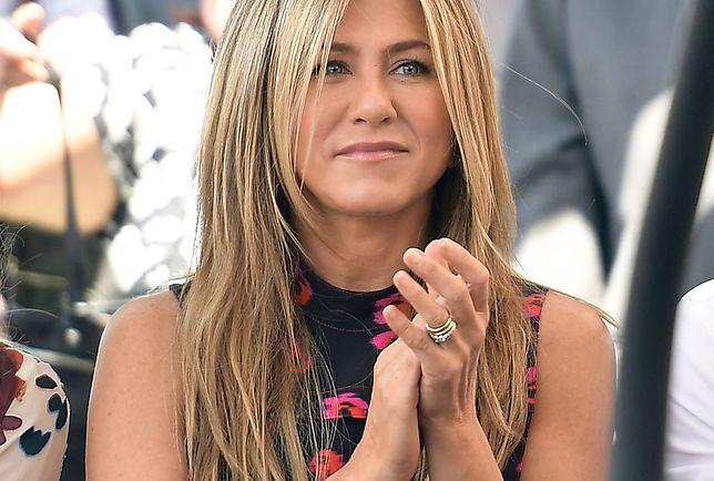 LOOK OF THE DAY: Jennifer Aniston w ryzykownej kreacji