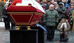 """Tłumy na pogrzebie """"kuriera z Warszawy"""""""