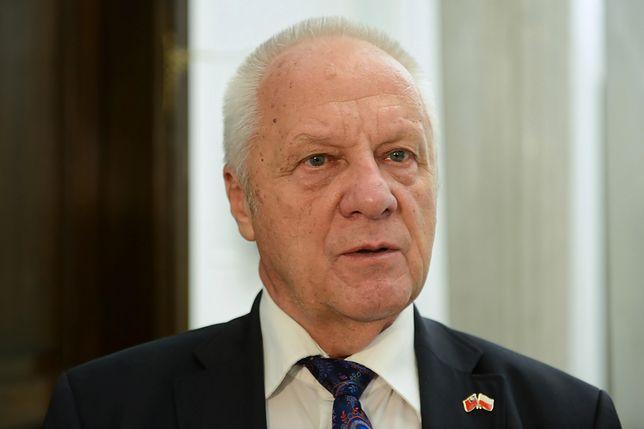 Stefan Niesiołowski jest oskarżany o korupcję