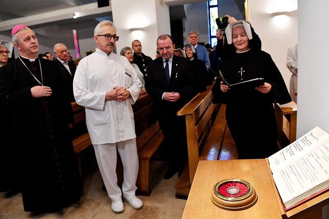 Kielce. Mszę św. związaną z wprowadzeniem relikwii odprawił kielecki biskup Jan Piotrowski.