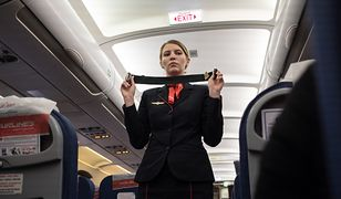 Pasażerka wyprowadzona z samolotu. Nie chciała się zapoznać z zasadami bezpieczeństwa