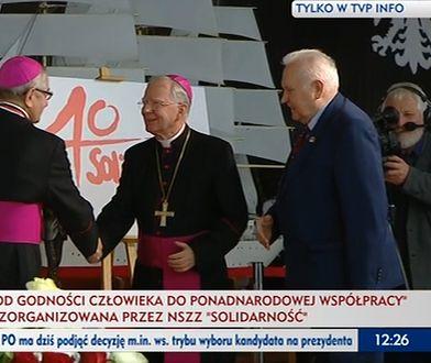 Arcybiskupi Marek Jędraszewski i Sławoj Leszek Głódź w sali BHP w Gdańsku