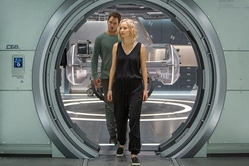 Chris Pratt i Jennifer Lawrence fot. UIP