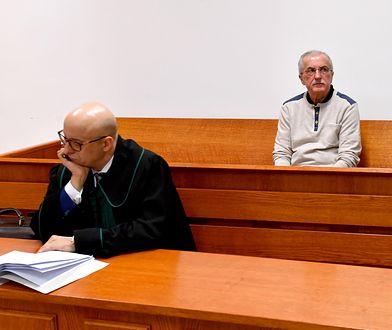 Roman Wawrzyniak i jego adwokat Dariusz Niebieszczański na sali sądu w Kołobrzegu