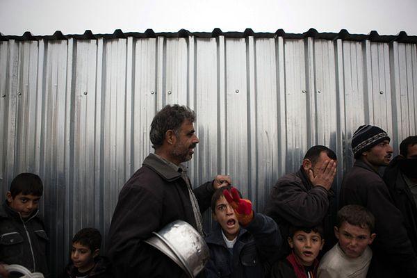 Syryjscy uchodźcy w tureckim obozie