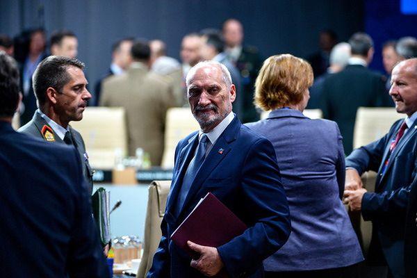 Macierewicz: Polska wychodzi ze szczytu NATO w Warszawie wzmocniona