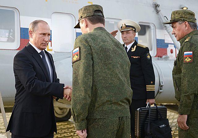 95 tys. żołnierzy na poligonie. Putin na manewrach