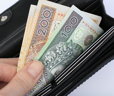 Mocny złoty poprawił stan naszych portfeli. Polaka stać na więcej