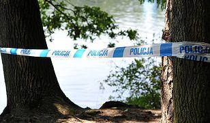 O trzeciej w nocy postanowili wykąpać się w Jeziorze Powidzkim. 23-latek utonął