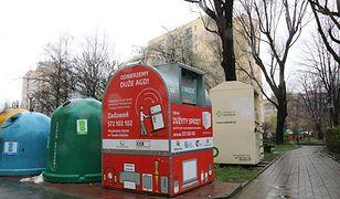 Bielsko-Biała. Czerwone pojemniki czekają na elektryczne śmieci. Będzie więcej