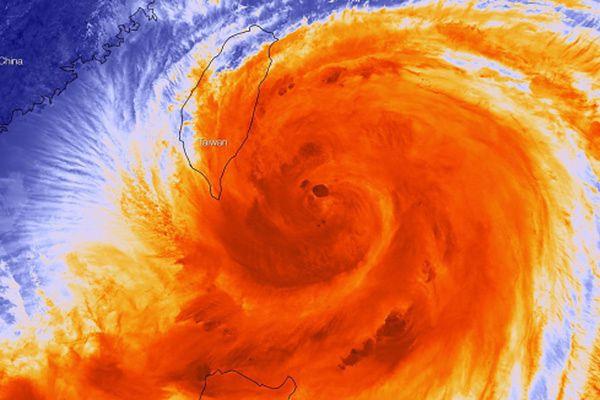 Tajfun Matmo zmierza do Chin