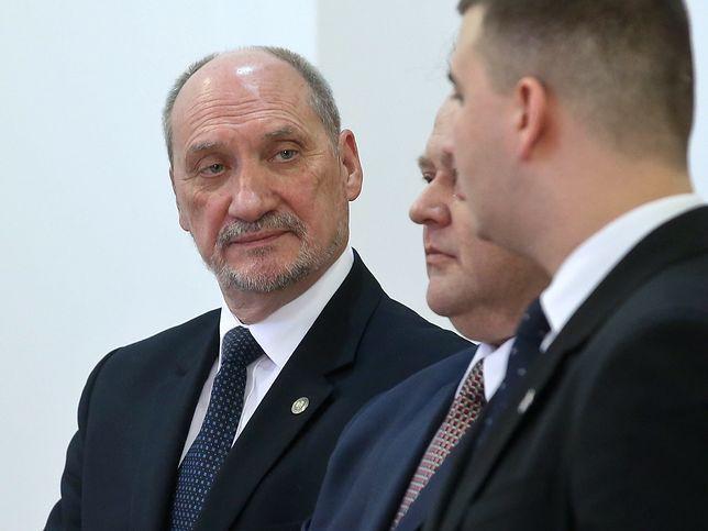 Antoni Macierewicz wielokrotnie bronił Bartłomieja M.
