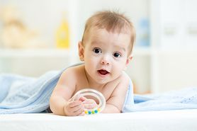 Bolesne ząbkowanie. Jak pomóc dziecku przetrwać ten trudny czas?