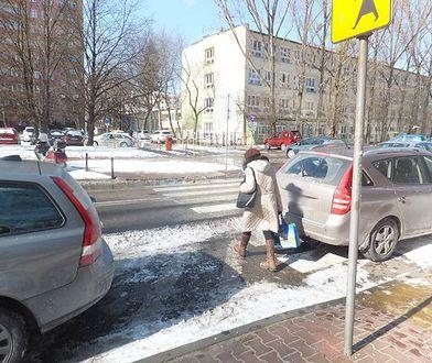 Blokada na koła za złe parkowanie
