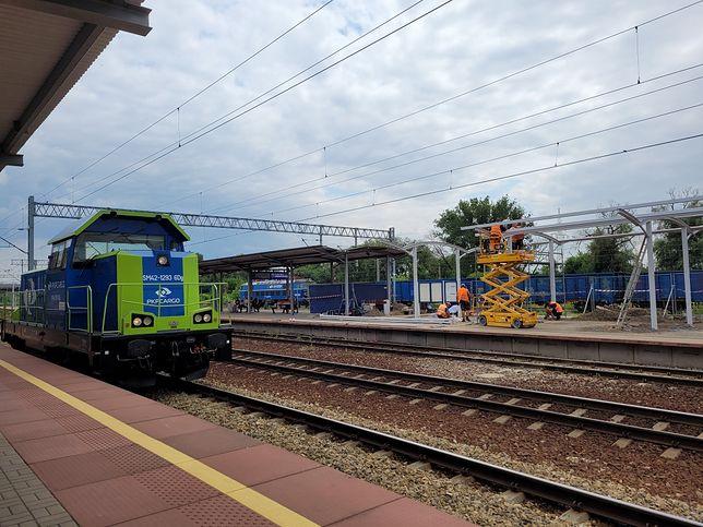 Częstochowa. Korzystający ze stacji Częstochowa Stradom zyskają lepszą ochronę przed deszczem i wiatrem.