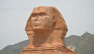 Chiny - powstała replika egipskiego Sfinksa