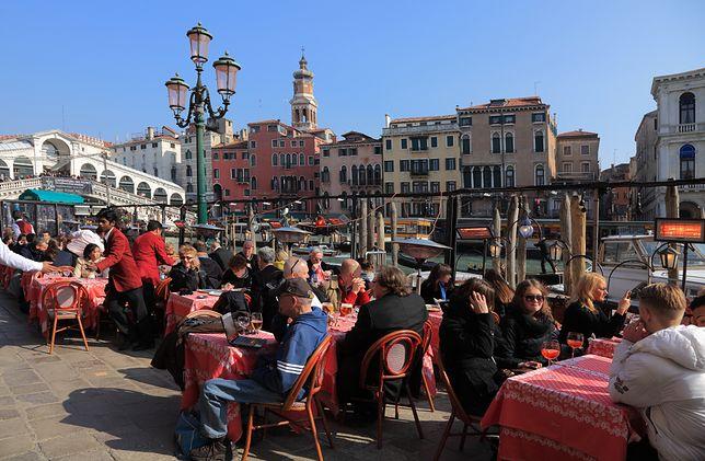 Turyści z próbami zdarcia z nich pieniędzy muszą się liczyć m.in. w Wenecji