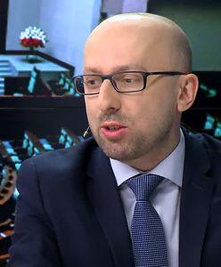 """Krzysztof Łapiński odpowiada Antoniemu Macierewiczowi. """"Najpierw zmiany w zarządzaniu, później kadrowe"""""""