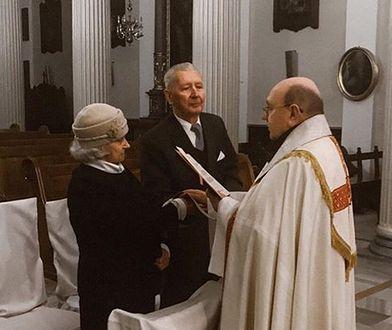 """Mają po 90 lat i właśnie wzięli ślub. """"Na miłość nigdy nie jest za późno"""""""