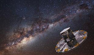 Artystyczna wizja obserwatorium Gaia na tle Drogi Mlecznej