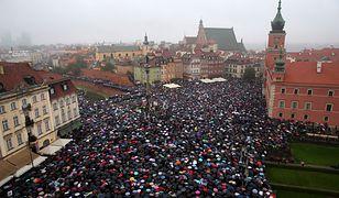 Rok temu na ulice polskich miast wyszły dziesiątki tysięcy kobiet, by protestować przeciwko projektowi ustawy zakazującej aborcji