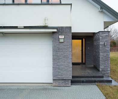 Brama garażowa: idealny wybór na chłodne dni