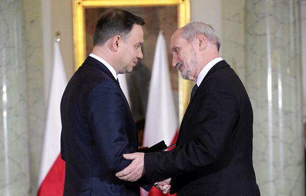 Andrzej Duda, Antoni Macierewicz