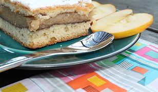 Najprostszy jabłecznik. Składniki znajdziesz w kuchni