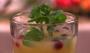 Żurawinowa herbata z sokiem pomarańczowym i lodem. Orzeźwia i gasi pragnienie