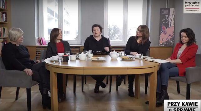 Analogiczne debaty odbywają się w Polsce od lat. Publicystki obnażają ich absurdalność.