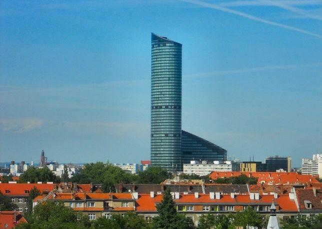 Koronawirus we Wrocławiu. Na Sky Towerze pojawi się ogromne serce