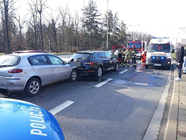 Wrocław: wypadek czterech pojazdów na Kozanowie doprowadził do poważnych utrudnień.