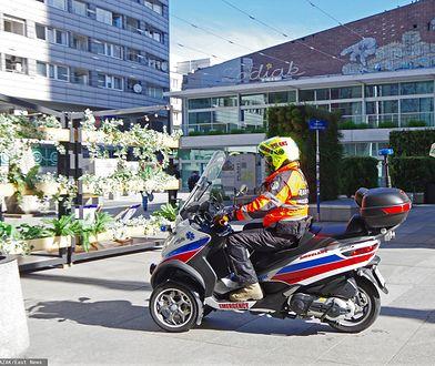Warszawa. W czasie wolnym patroluje stołeczne ulice i pomaga pacjentom. Ktoś ukradł mu auto
