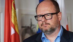 Ostrów Wielkopolski. Zniszczono tablicę upamiętniającą Pawła Adamowicza