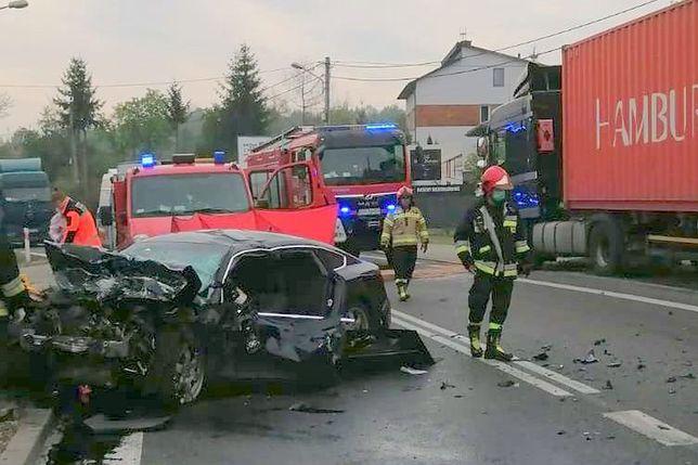 Starachowice. Tragiczny wypadek na DK42. Zginął kierowca