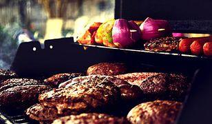 W sezonie grillowym sprzedaż kiełbas i kaszanki wzrasta nawet o 20-30 proc.