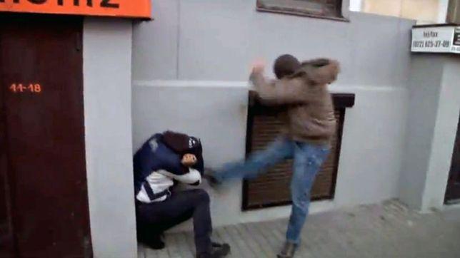 Policjant skazany za skopanie manifestanta na Marszu 11.11.11